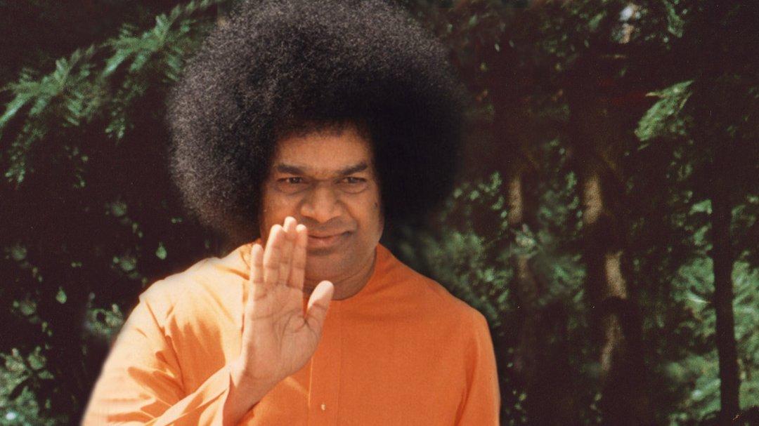 Sathya-Sai-Baba-4.jpg